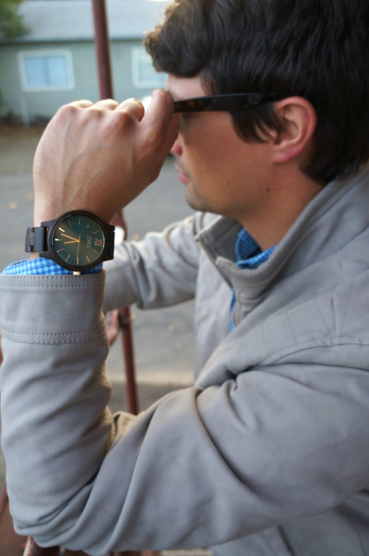 dark-sandalwood-emerald-frankie-series-wood-watch