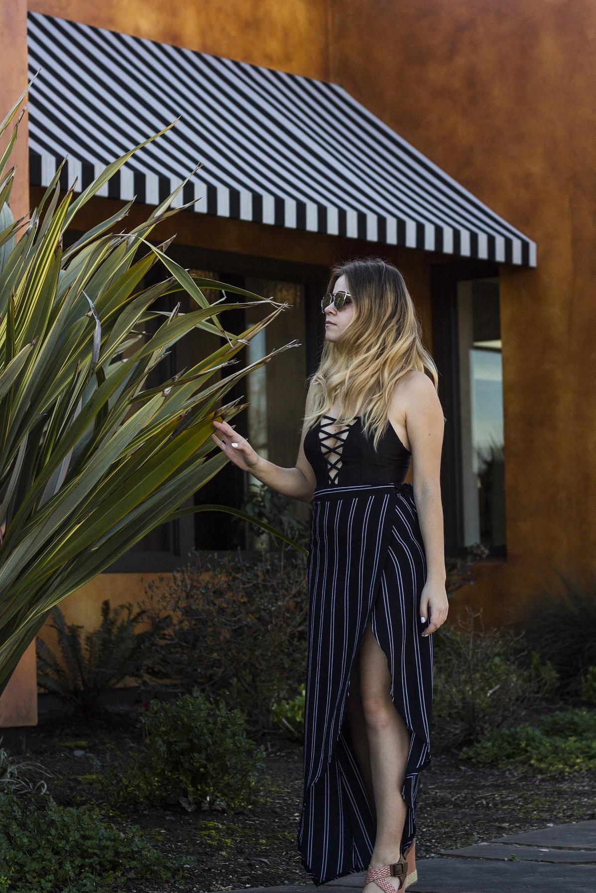 Zaful girl fashion blogger lace up swimsuit