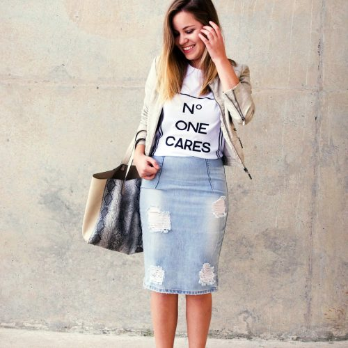 how to dress up a casual tshirt