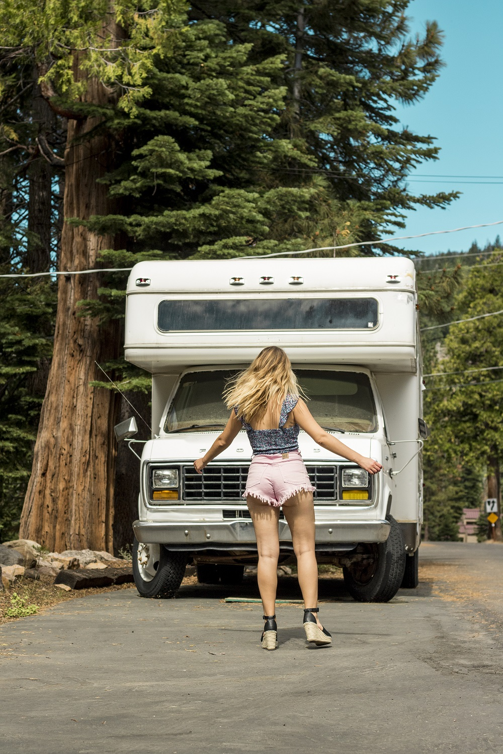 Summer Style in Lake Tahoe feat. Boho Lifestyle