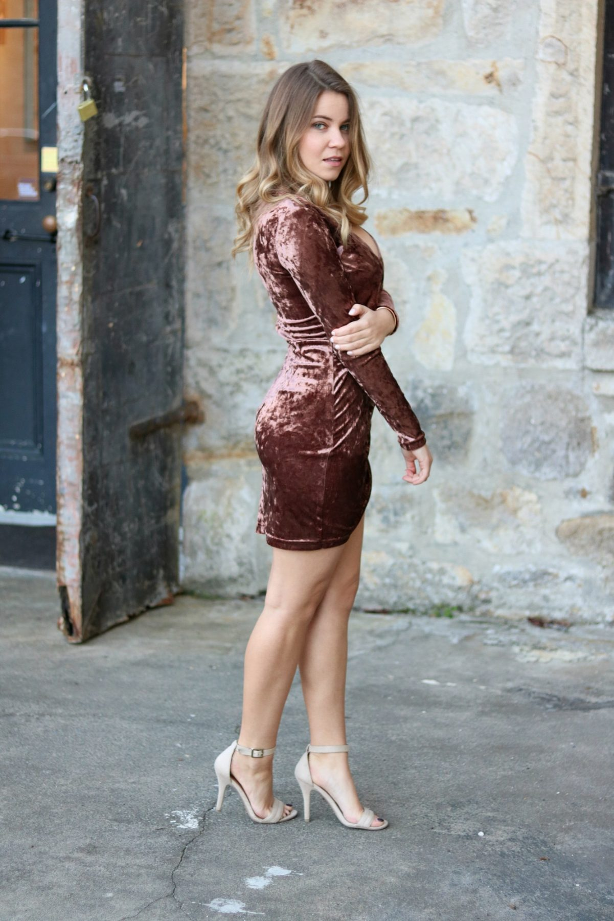 crushed-velvet-dress-napa-valley-blogger-shenska