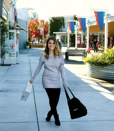 holiday-shopping-Petaluma-Premium-Outlets
