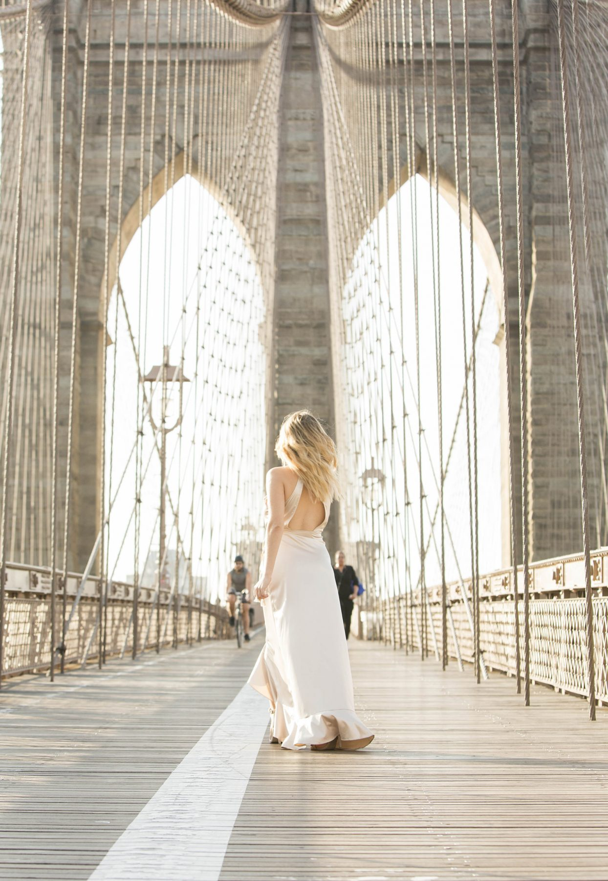 Brooklyn Bridge fashion blogger photo shoot Shenska