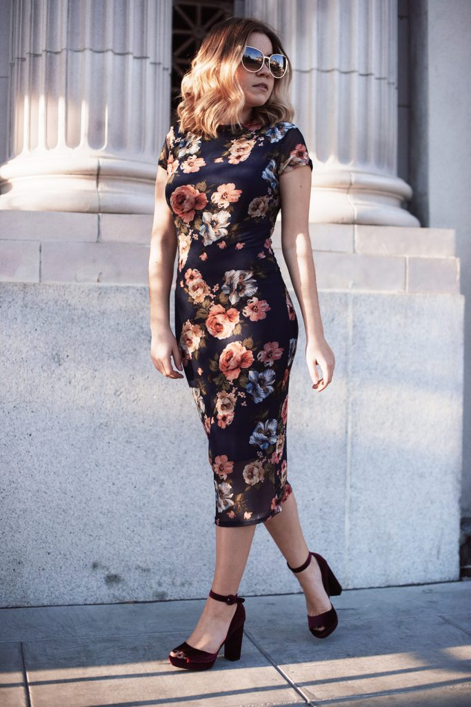 Vibe-Tribe-floral-dress-on-curvy-body